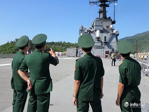 Vận thang độc đáo trên tàu đổ bộ JSDS Shimokita (LST-4002) của Hải quân Nhật Bản - ảnh 2