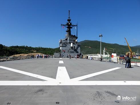 Vận thang độc đáo trên tàu đổ bộ JSDS Shimokita (LST-4002) của Hải quân Nhật Bản - ảnh 4