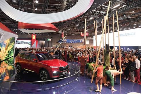 VinFast - xe thương hiệu Việt hút khách tại Paris - ảnh 4