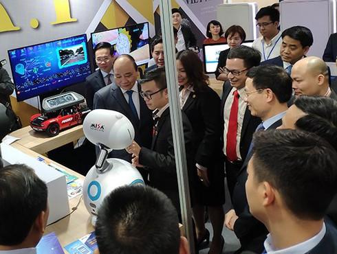 Đưa ICT vào mọi ngõ ngách cuộc sống, hướng tới mục tiêu vì một Việt Nam hùng cường - ảnh 2