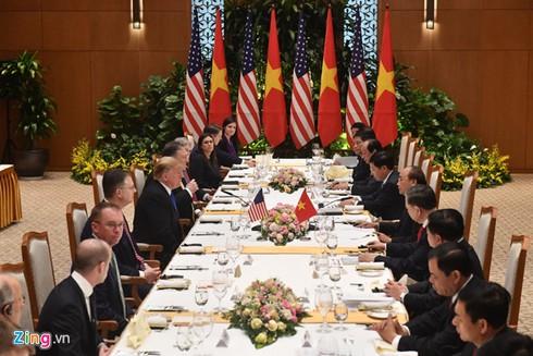 Thu tuong moi Tong thong Trump mon cha ca, nem Ha Noi hinh anh 2