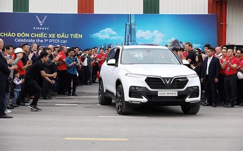VinFast hoàn thành sản xuất ô tô đầu tiên, Lux SA 2.0 đã lăn bánh thử nghiệm tại Việt Nam - ảnh 6