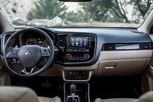 1 tỷ, chọn Honda CR-V, Mazda CX-5 hay Mitsubishi Outlander?