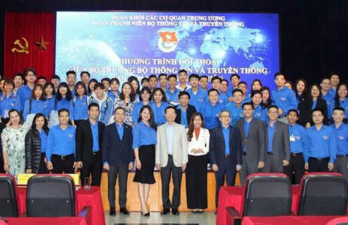 """Bộ trưởng Nguyễn Mạnh Hùng: """"Người trẻ hãy nhận việc khó để làm"""" - ảnh 2"""