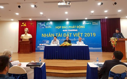 Khởi động giải thưởng Nhân tài Đất Việt năm 2019 | Giải thưởng Nhân tài Đất Việt lần đầu tiếp nhận bài dự thi sản phẩm CNTT chưa hoàn thiện