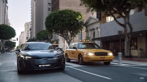 Sieu xe cua Audi sanh doi cung Spider-Man trong bom tan sap chieu hinh anh 3