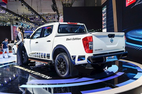 Nissan Livinia lỡ hẹn, Nissan Việt Nam trở lại với Navara Black Edition A-IVI - ảnh 4