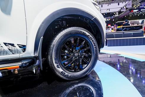 Nissan Livinia lỡ hẹn, Nissan Việt Nam trở lại với Navara Black Edition A-IVI - ảnh 5