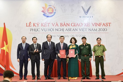 Ô tô VinFast là phương tiện di chuyển chính thức tại hội nghị ASEAN 2020 - ảnh 1