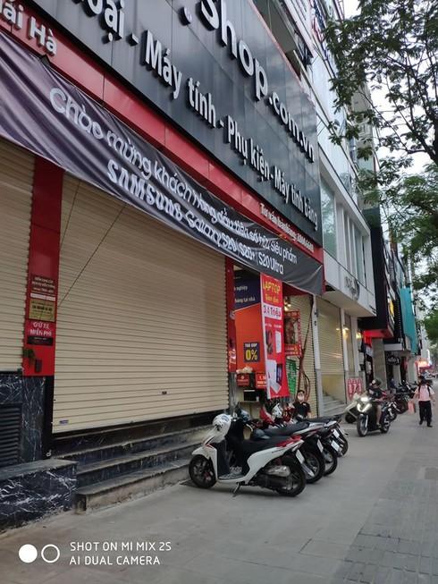 Các chuỗi bán lẻ công nghệ đồng loạt đóng cửa trước giờ G - ảnh 8
