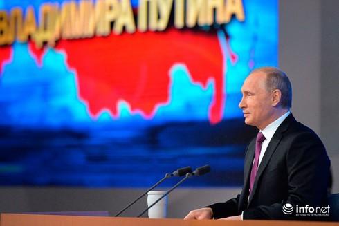 Nếu khôn ngoan, phương Tây nên bỏ trừng phạt Nga - ảnh 1