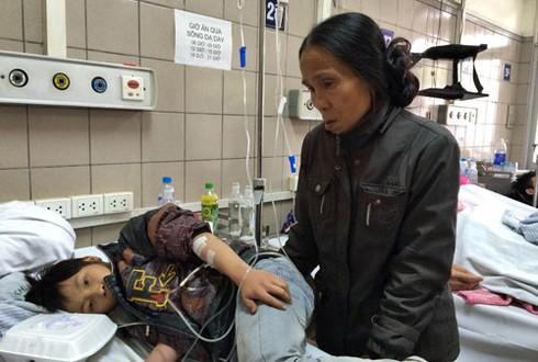 Thai phụ nguy kịch, thai chết lưu vì ngộ độc nấm - ảnh 1