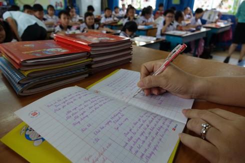 Sửa đổi thông tư 30: Thế giới đánh giá học sinh tiểu học thế nào? - ảnh 1