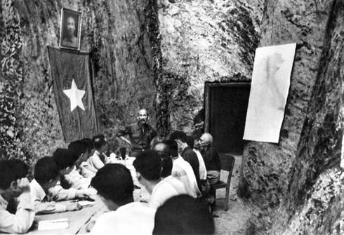 Hồ Chủ tịch và một số phiên họp Chính phủ tại chiến khu - ảnh 2