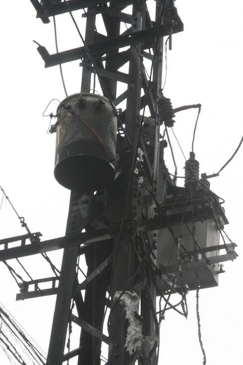Đà Nẵng: Cháy nổ thiêu rụi trạm biến áp