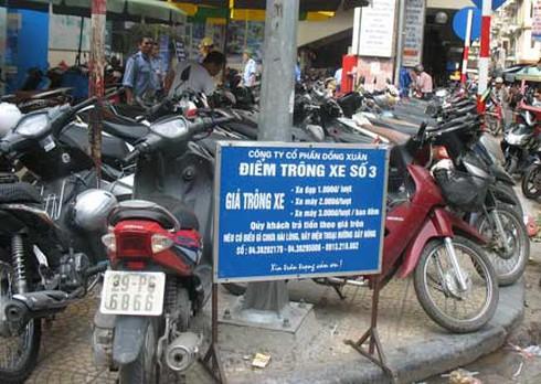 Hà Nội: Gửi xe là bị `chặt, chém`