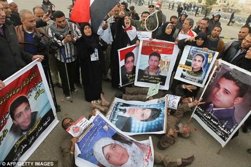 Công tố Ai Cập: Phải treo cổ Mubarak