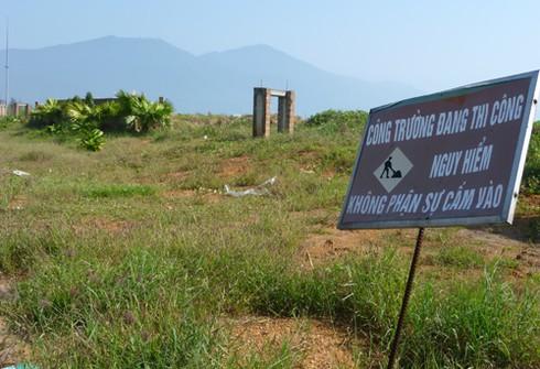 Dự án BĐS thiên đường thành `phế tích`