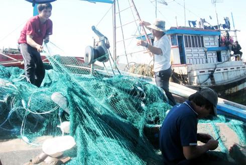 Đà Nẵng: Lắp miễn phí máy liên lạc 500 hải lý cho ngư dân