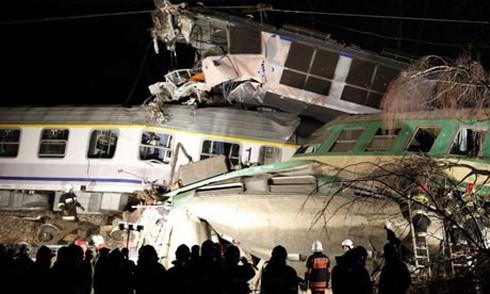 Tai nạn tàu hỏa kinh hoàng ở Ba Lan