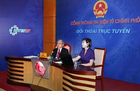 Bộ trưởng Bộ KH&CN đối thoại trực tuyến với nhân dân
