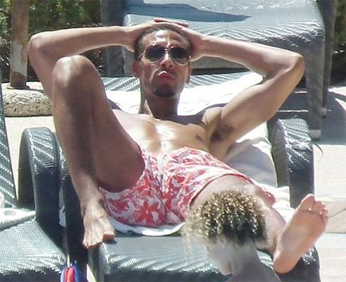 Không dự EURO 2012, Rio Ferdinand làm giám khảo