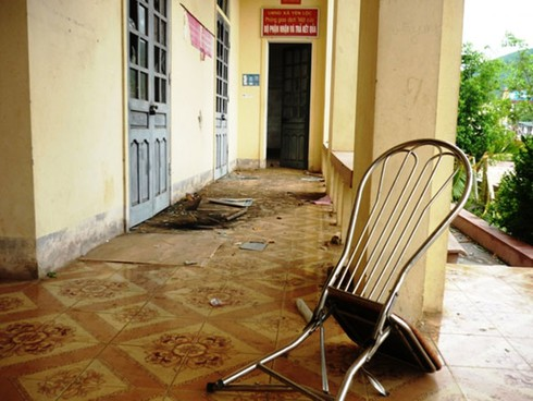 Hà Tĩnh: Dân phá trụ sở, quây đánh lãnh đạo, công an xã trọng thương