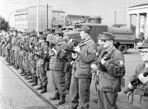 Những bí mật ít người biết về Bức tường Berlin - ảnh 2