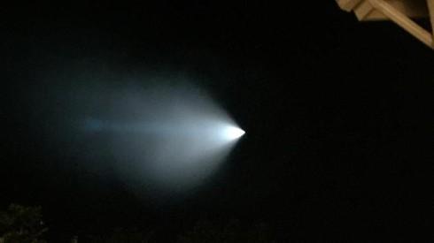 Vệt sáng kỳ lạ trên bầu trời nước Mỹ gây xôn xao - ảnh 1