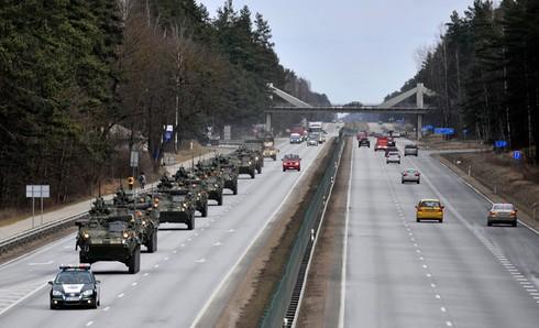 Reuters: Muốn khai chiến với Nga, Mỹ cứ cung cấp vũ khí cho Ukraine - ảnh 1