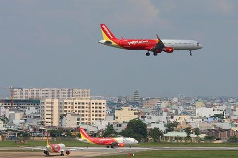 Không bán và cho thuê máy bay, doanh thu VietJet Air đến từ đâu? - ảnh 1