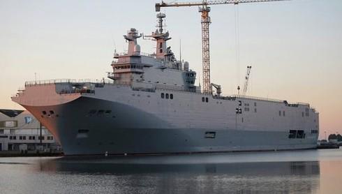 Pháp lại hoãn bàn giao tàu chiến cho Nga - ảnh 1
