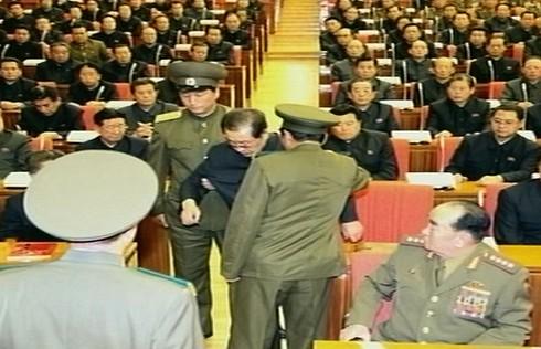 Báo Mỹ: Kim Jong un không xử chú bằng 120 chó đói - ảnh 1