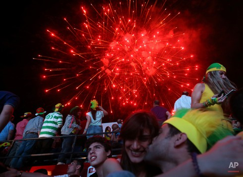 20 bức ảnh báo chí tuyệt đẹp về World Cup những ngày qua - ảnh 6