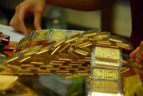 Giá vàng hôm nay 27/3 giảm, giá USD lại tăng - ảnh 1