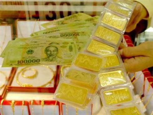 Giá vàng hôm nay 2/4 bật tăng mạnh, giá đô la Mỹ lập kỷ lục mới - ảnh 1