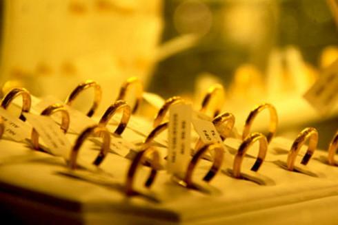 Giá vàng hôm nay 12/4 đi ngang, rẻ hơn thế giới gần 250.000 đồng/lượng - ảnh 1