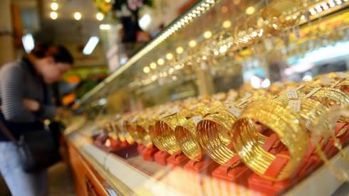 Giá vàng hôm nay 27/4 tiếp tục tăng, rẻ hơn thế giới 250.000 đồng/lượng - ảnh 1