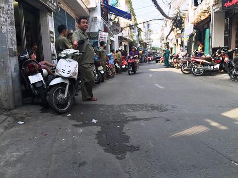 Cảnh sát bao vây, bắt trùm ma túy ở Sài Gòn - ảnh 1