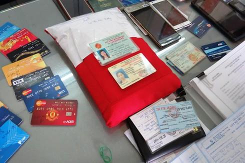 Phá băng lừa đảo tiền thưởng do người nước ngoài cầm đầu - ảnh 2