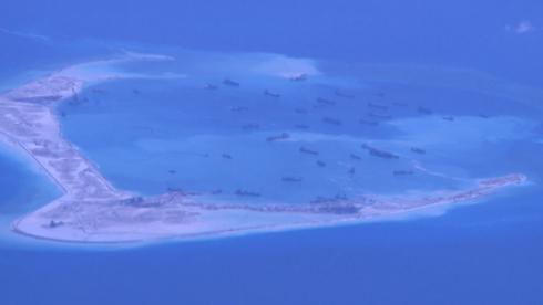 Tường thuật từ máy bay Mỹ quần thảo trên đảo Trung Quốc xây trái phép - ảnh 1