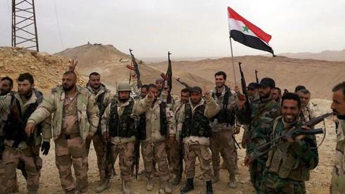 Cuộc đối đầu nực cười giữa hai phe của Mỹ tại Syria - ảnh 1