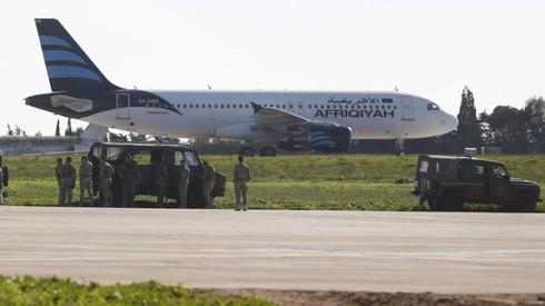 Không tặc tấn công máy bay chở 118 hành khách của Libya - ảnh 1