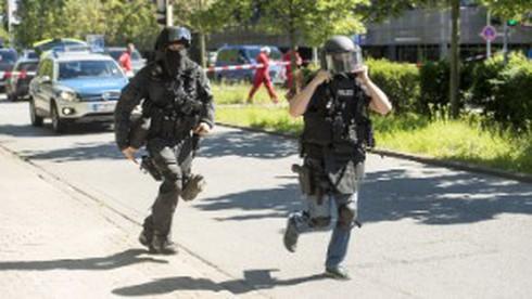Nước Đức kinh hoàng vì vụ xả súng ở rạp phim, 25 người thương vong - ảnh 1