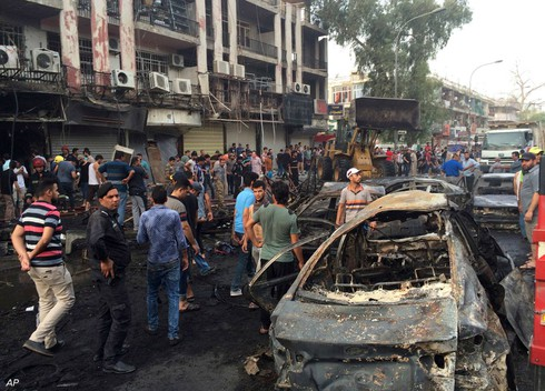 Đánh bom đẫm máu ở Baghdad, người dân tức giận ném đá vào Thủ tướng - ảnh 3