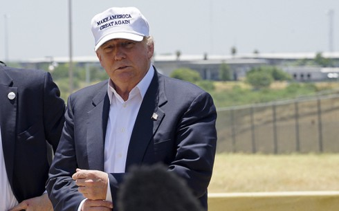 Trump trục xuất người nhập cư khác gì với Obama? - ảnh 1