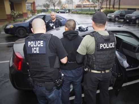 Trump trục xuất người nhập cư khác gì với Obama? - ảnh 3