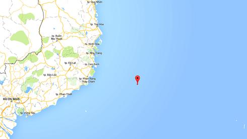 Cứu tàu cá với 12 thuyền viên bị nạn ngoài khơi Nha Trang - ảnh 2