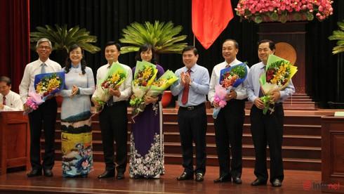 Thủ tướng phê chuẩn ông Nguyễn Thành Phong làm Chủ tịch UBND TP.HCM - ảnh 2
