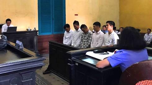 Bán độ tại V-League, cựu tuyển thủ quốc gia Long Giang bị tù giam - ảnh 1